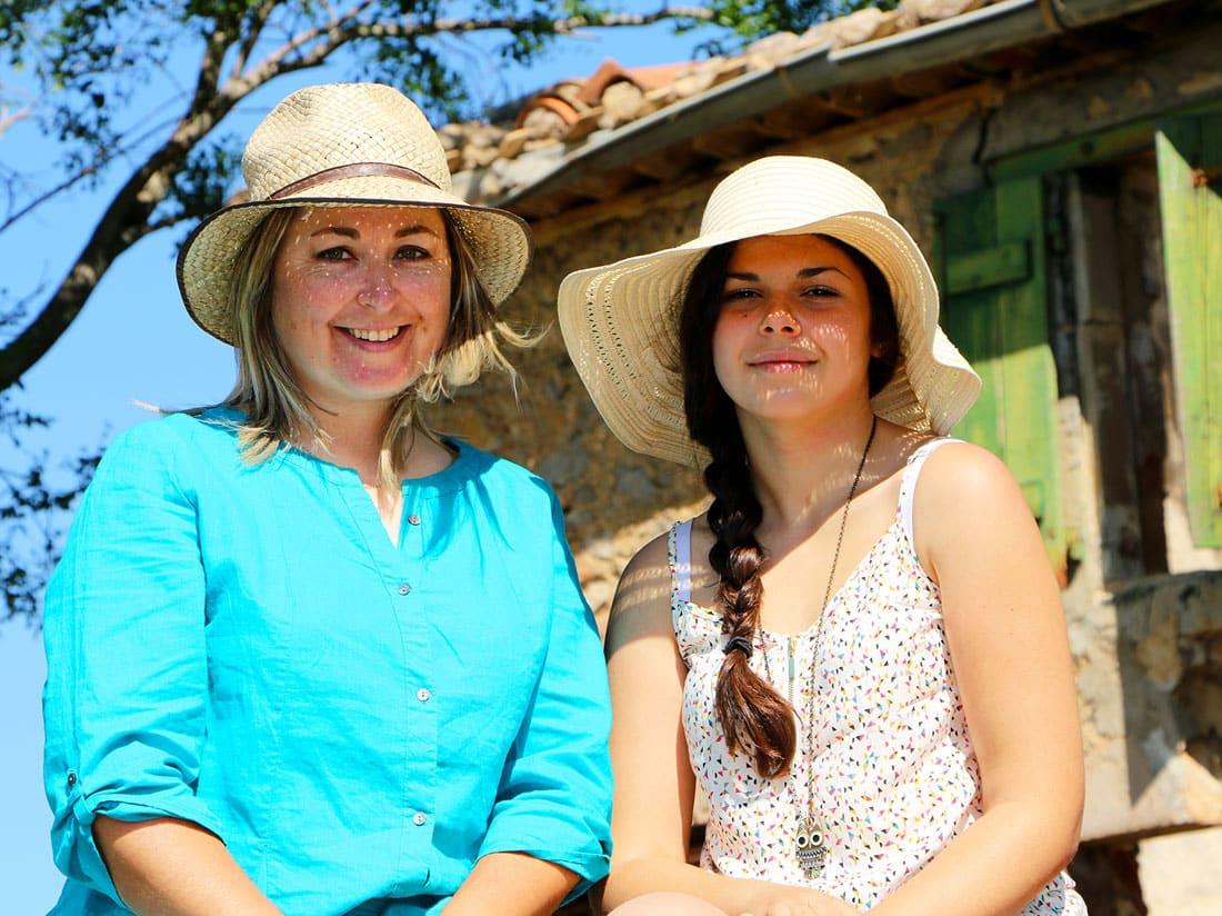 Sur le tracteur avec ma fille Cécile.